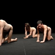 """Czym zagraża """"teatr goły""""? Odpowiedź Tadeuszowi Różewiczowi"""