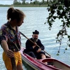 Robinson na jeziorze w Kunicach